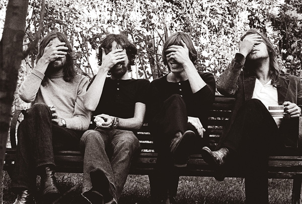 Pink Floyd - band bw 1 - Photo by Hipgnosis C Pink Floyd Music Ltd
