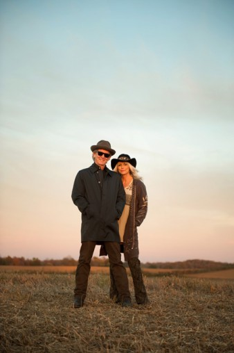 Emmylou harris and rodney crowell team up for old yellow moon emmylou harris stopboris Image collections